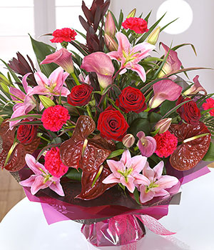 Simply Love - Same Day Flowers - eFlorist.co.uk