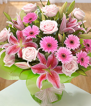 Lilies, Roses & Gerbera - Same Day Flowers - eFlorist.co.uk