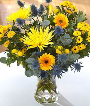 yellow and blue bold bouquet flower delivery by fl