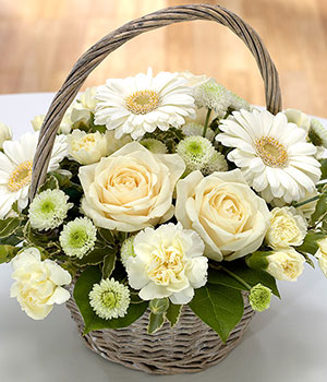Memories Flower Basket - Flower Delivery - eFlorist.co.uk