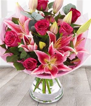 Bella Pink Roses Pink Lily Send Flower Bouquets
