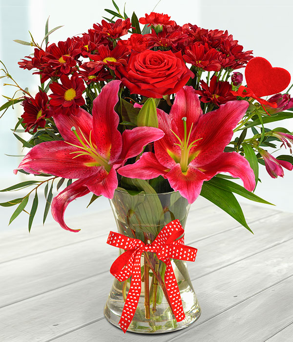 Flame Red - Romantic Flowers - eFlorist.co.uk