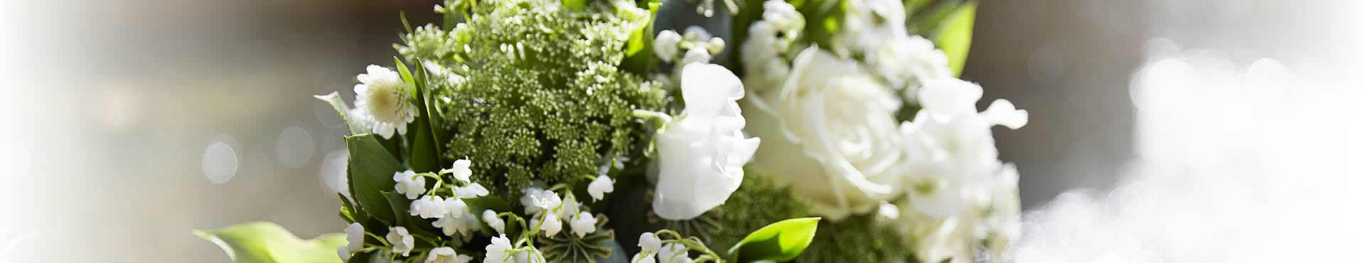 Funeral Flowers Card Messages: What to Write