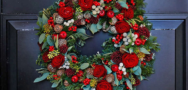 Make Your Own Christmas Door Wreath